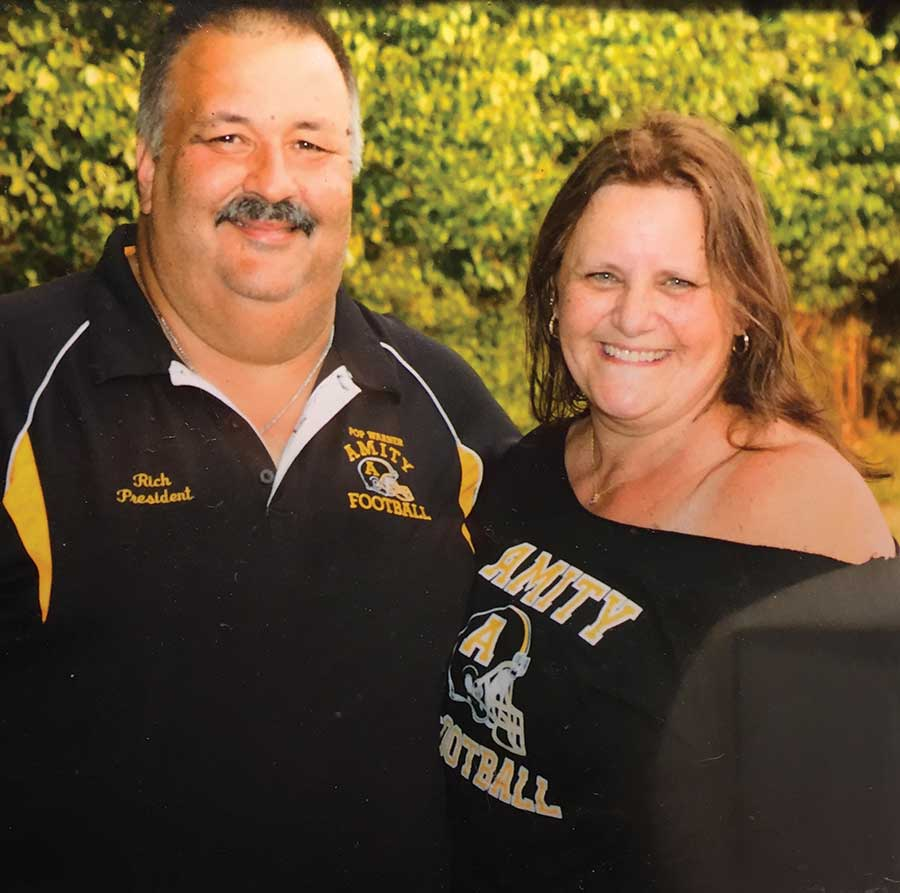 Long-time Amity Pop Warner Football President Retires