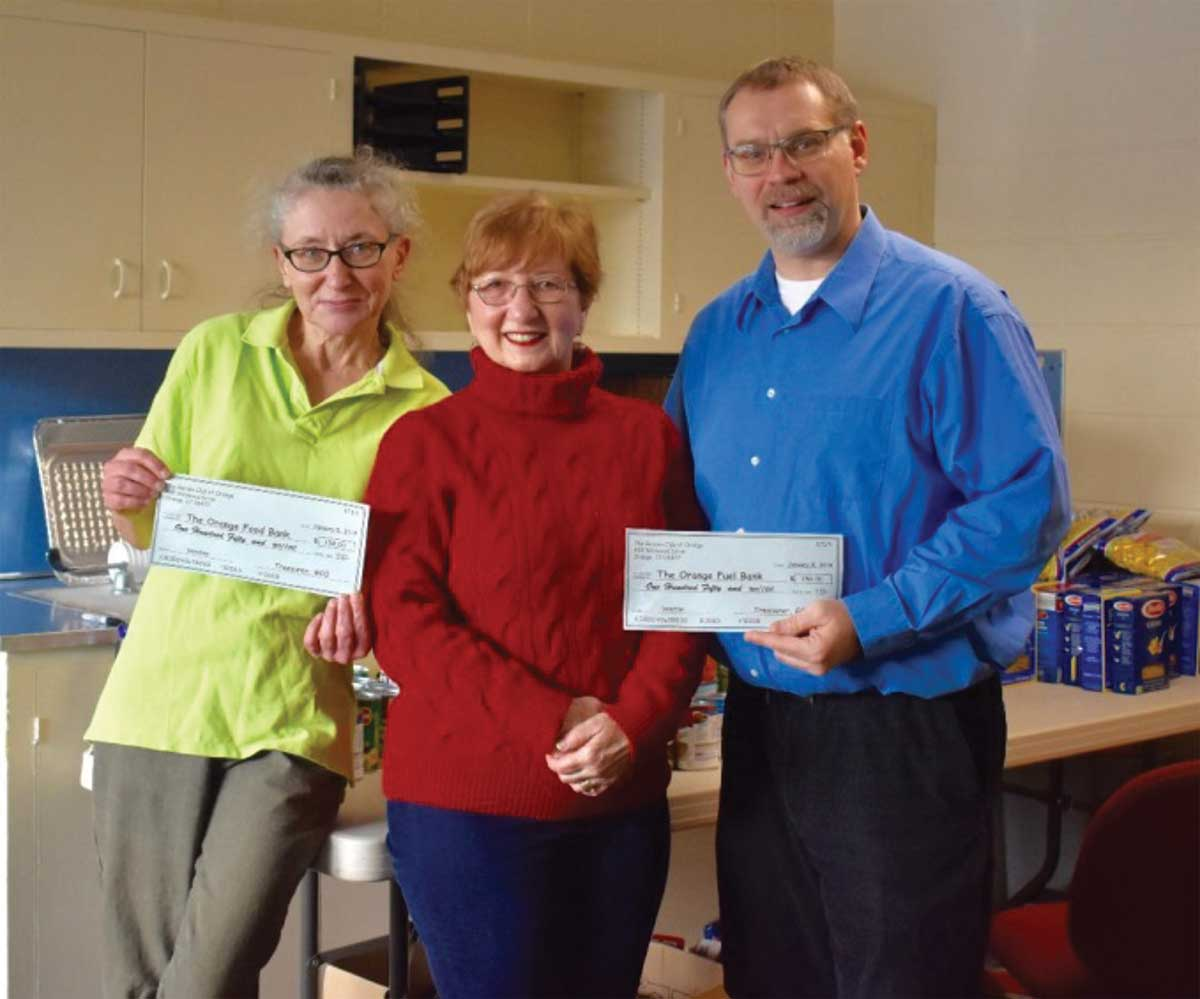 Town Receives Garden Club of Orange Donation