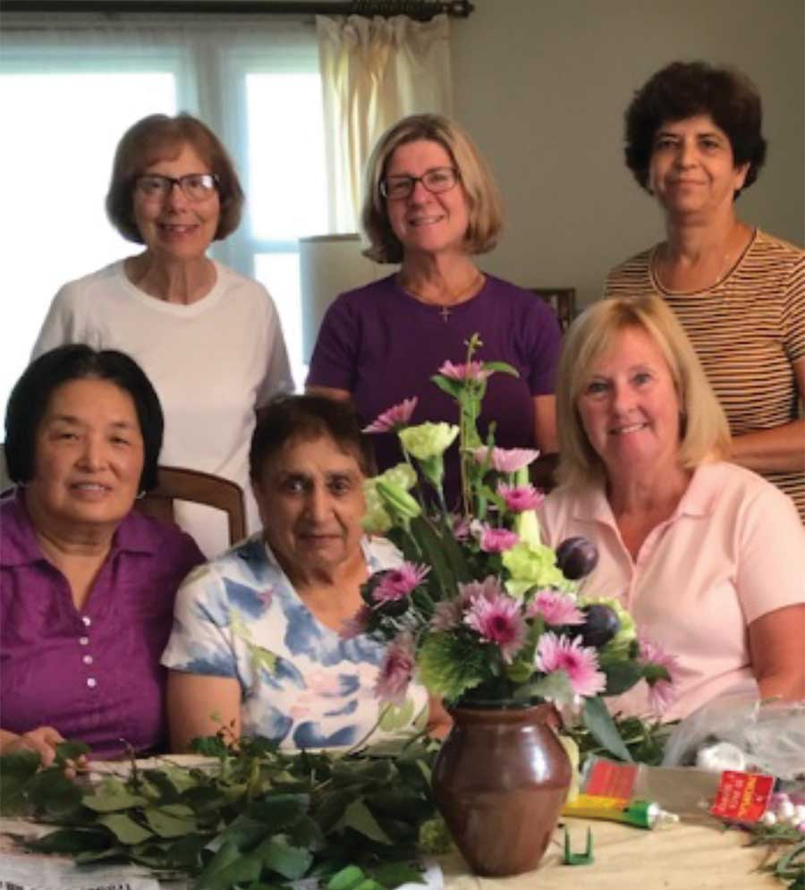 Garden Club Holds Workshop